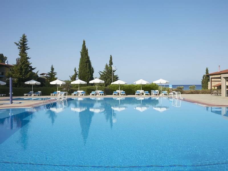 Simantro Beach Hotel 5* - bazén