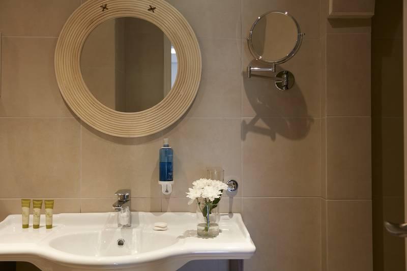 Simantro Beach Hotel 5* - kúpeľňa