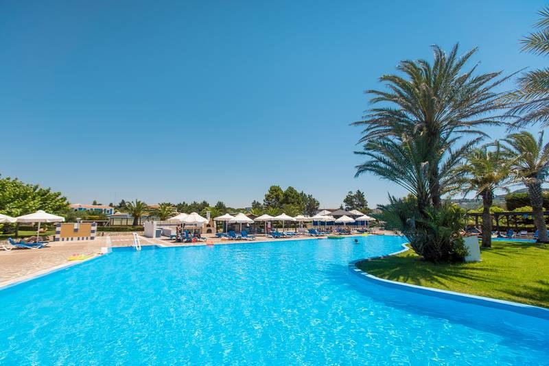 Olympian Village 5* - bazén