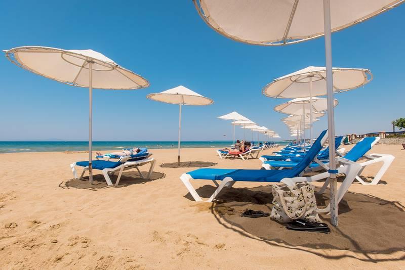 Olympian Village 5* - pláž