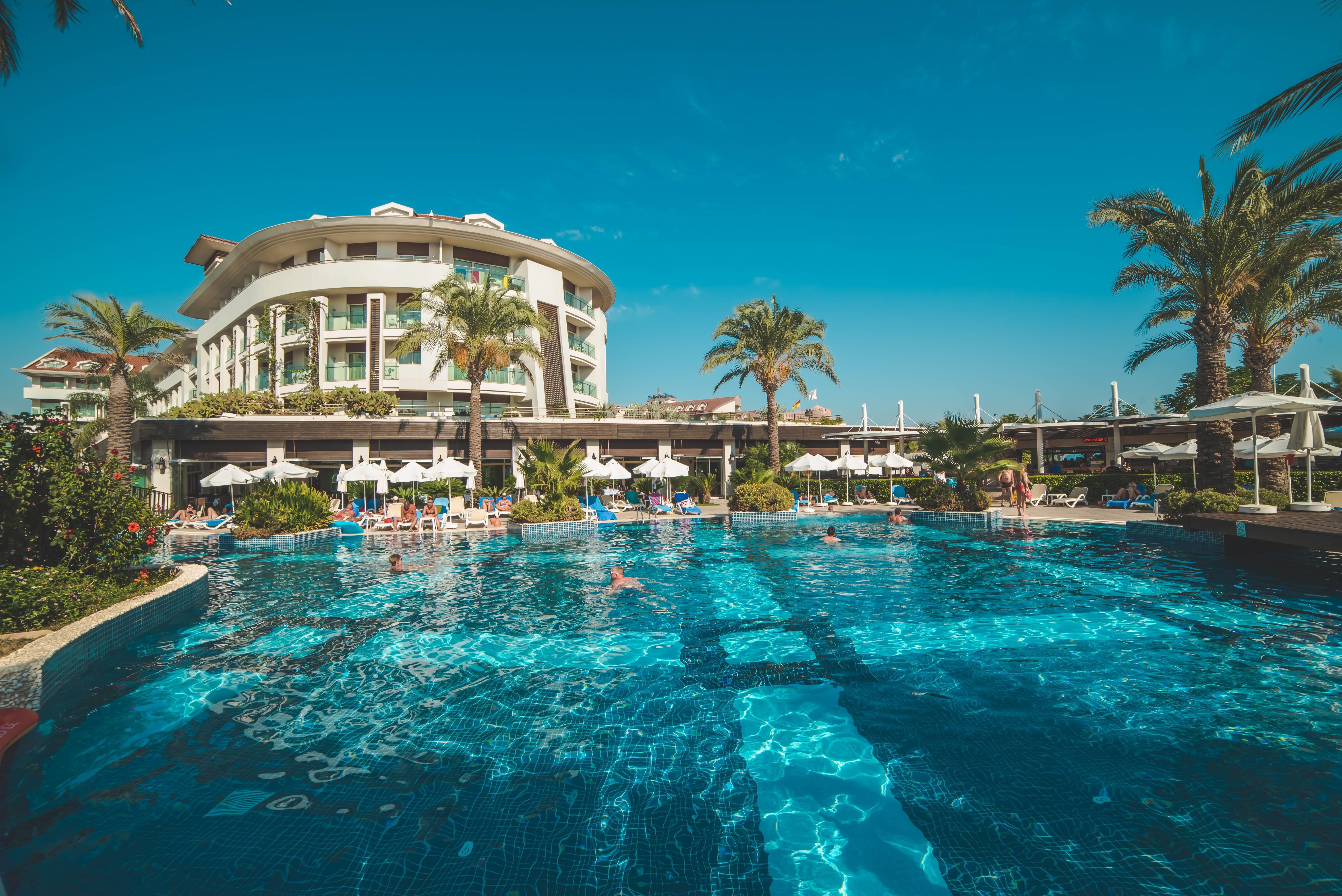 Evren Beach Resort Hotel & SPA 5˙ - bazén