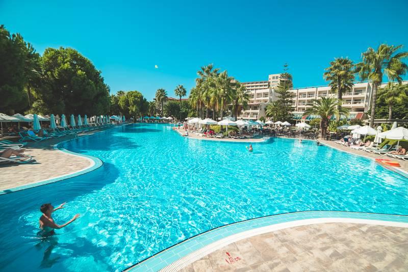 Barut Hemera 5* - bazén