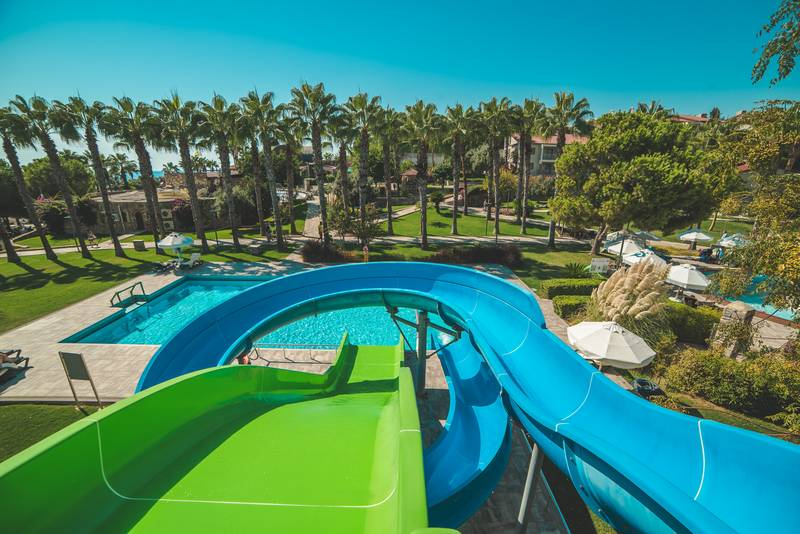 Barut Arum 5* - bazén so šmýkačkami