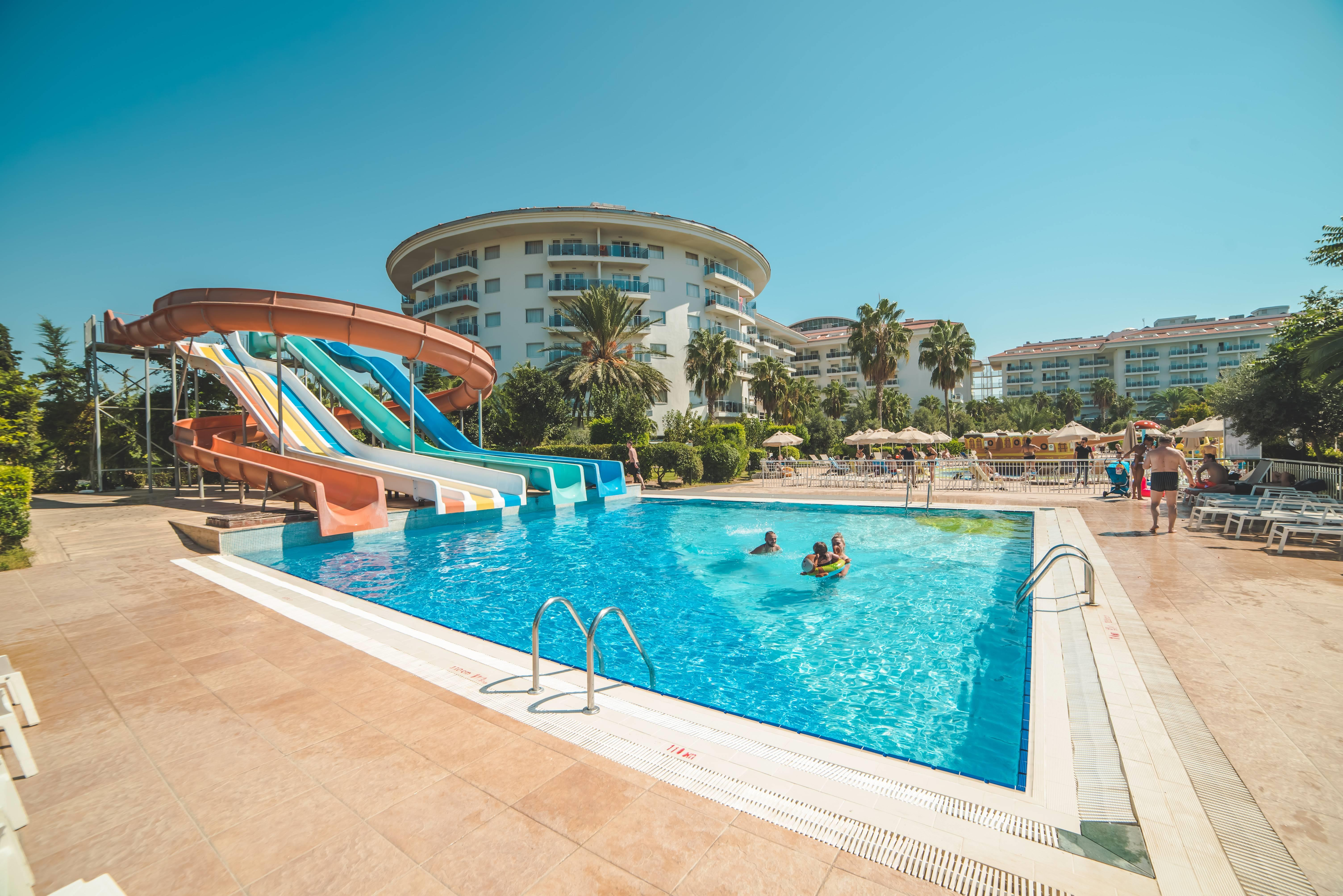 Sea World Resort & SPA 5* - bazén so šmýkačkami