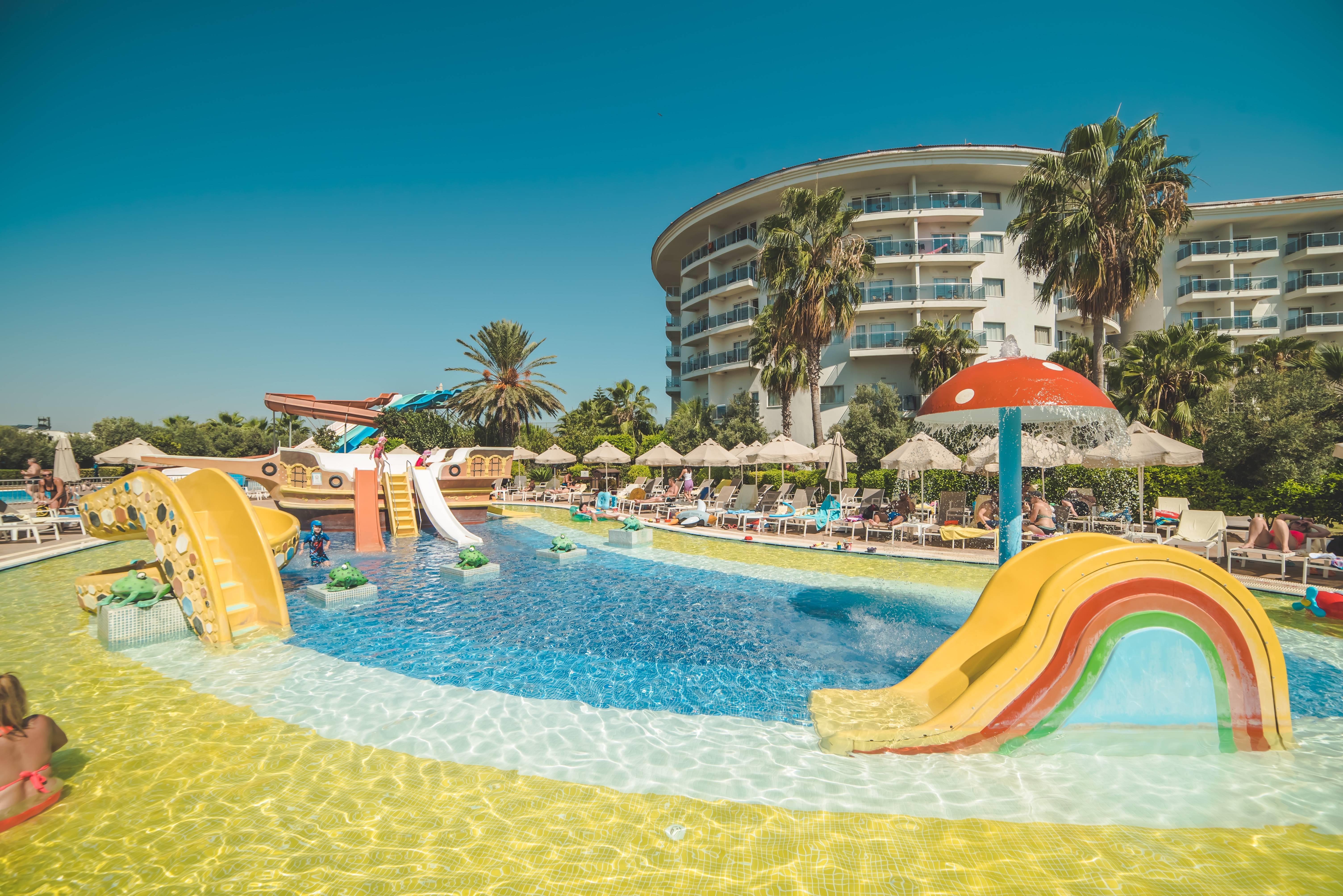 Sea World Resort & SPA 5* - detský bazén s atrakciami