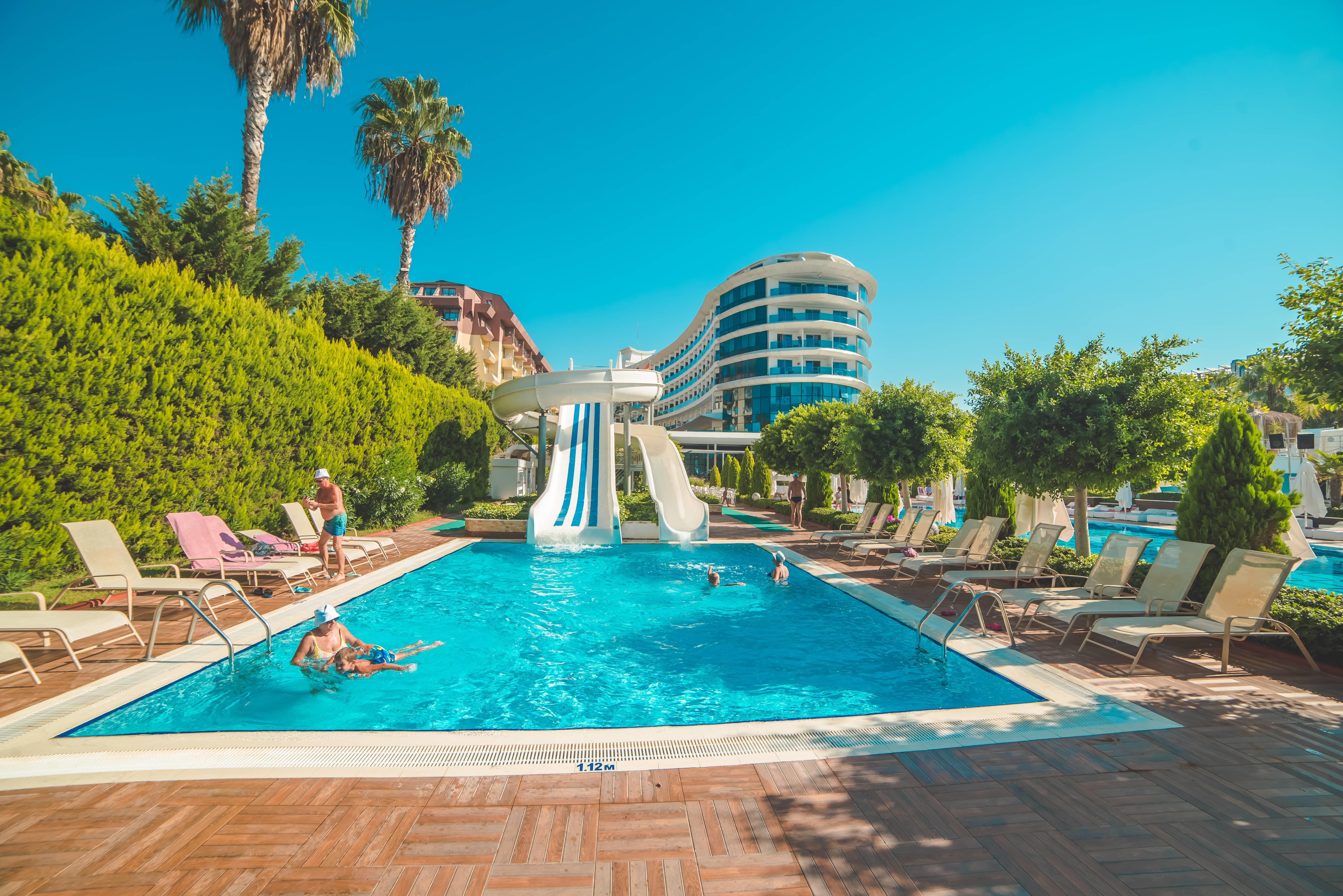 Q Premium Resort 5*  - bazén so šmýkačkami