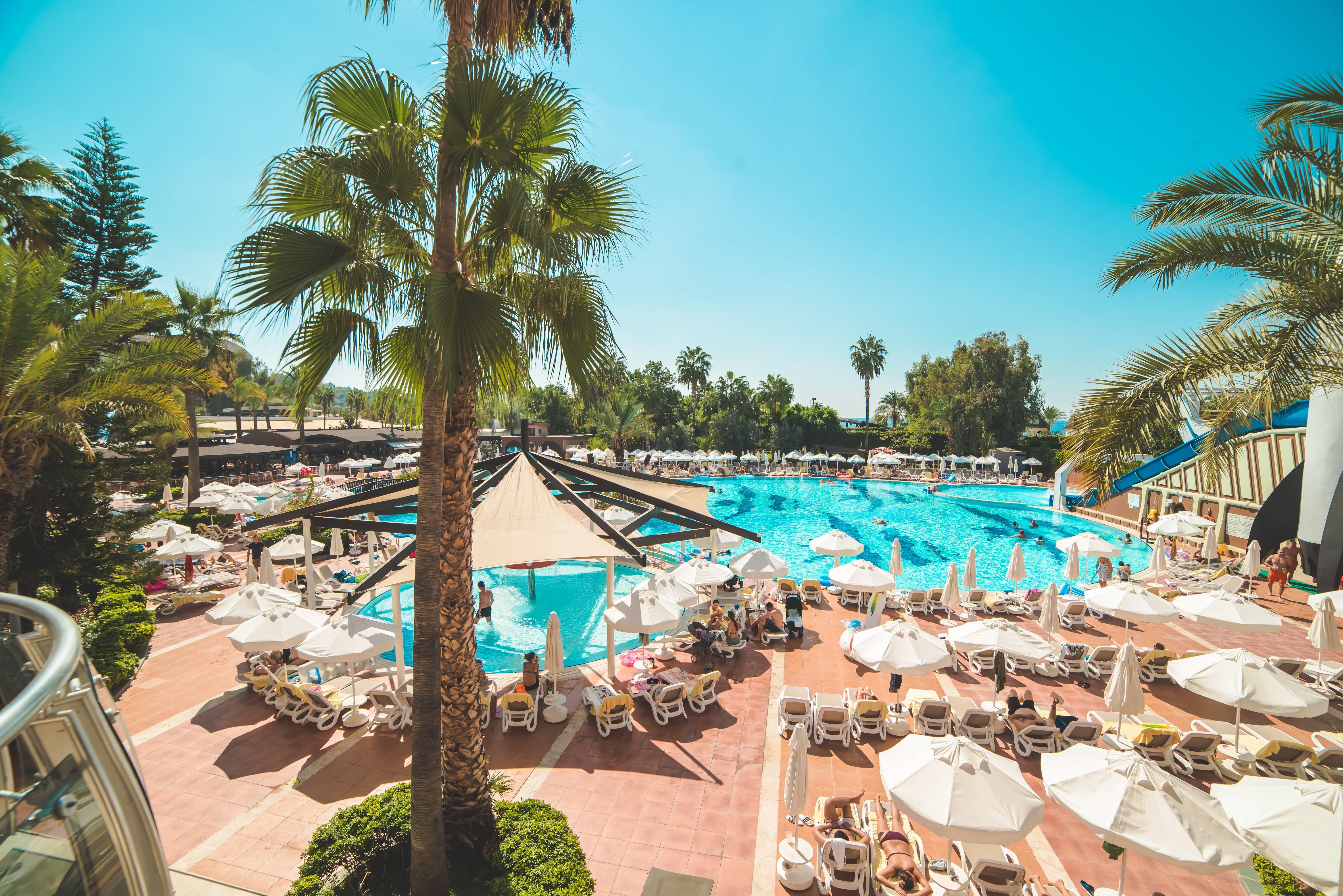 Arycanda De Luxe 5˙ - bazén