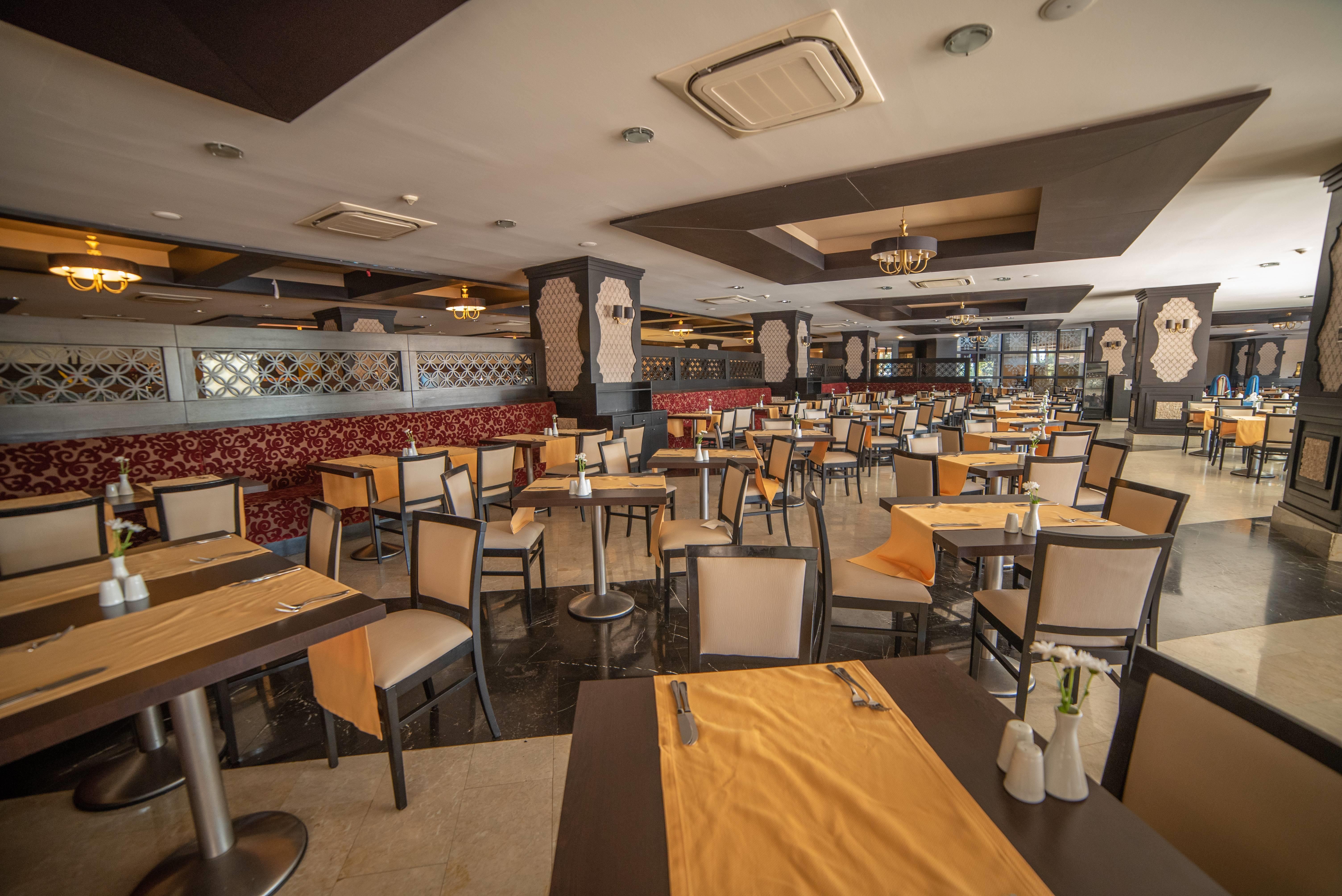 Arycanda De Luxe 5˙ - reštaurácia