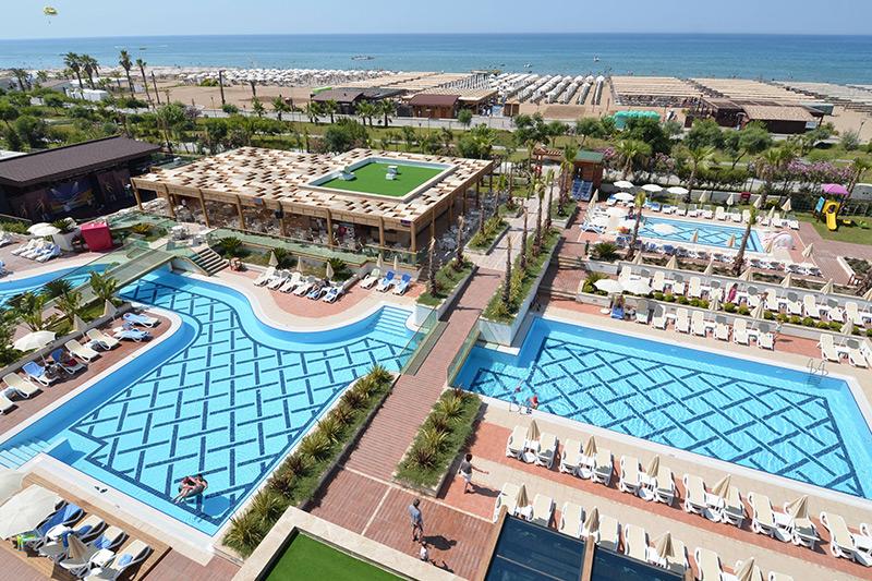 Trendy Verbena Beach 5* - bazény