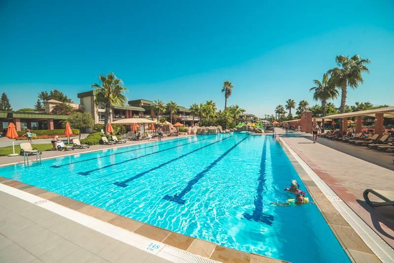 Pine Beach Belek 5* - bazén