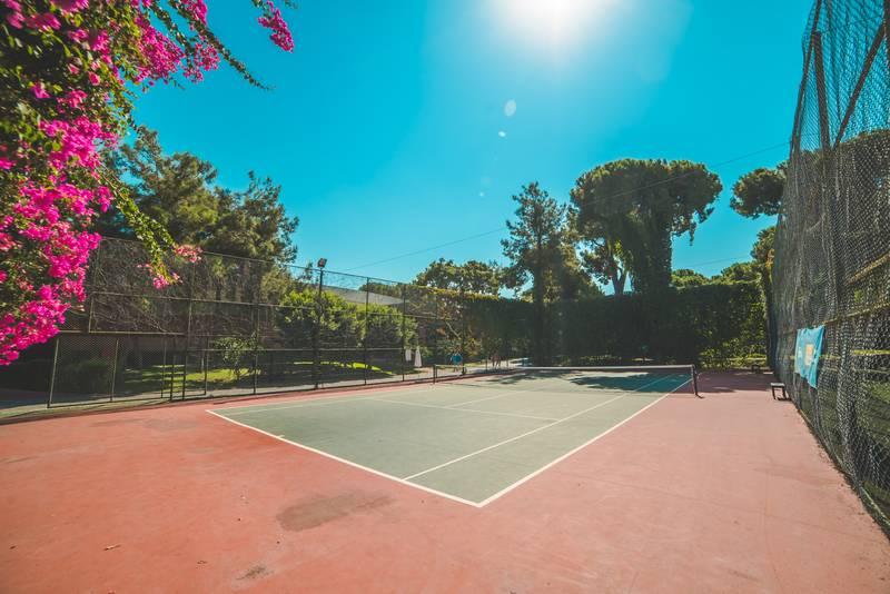 Pine Beach Belek 5* - tenisový kurt