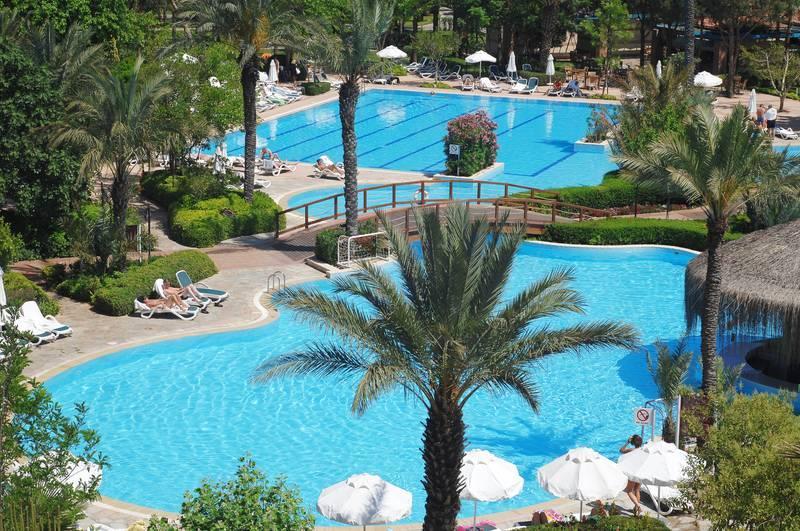 Gloria Golf Resort 5* - bazén