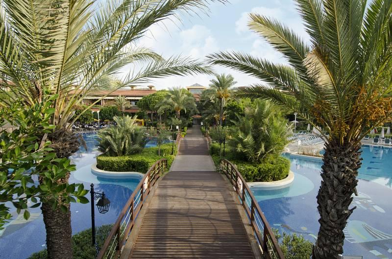 Gloria Golf Resort 5˙ - bazén