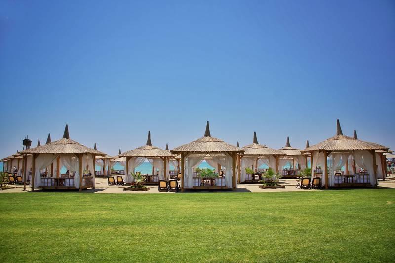 Gloria Golf Resort 5˙ - pláž