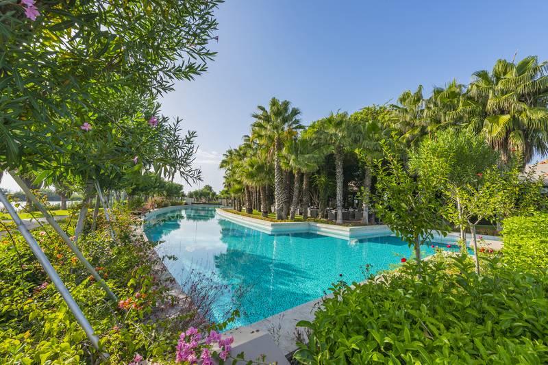 Gloria Serenity Resort 5˙ - bazén