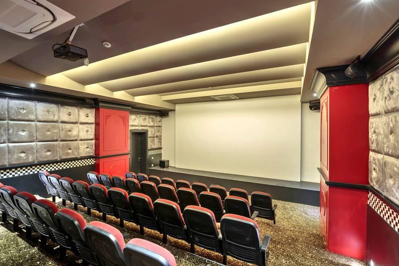Efes Royal Palace Resort & SPA 5˙ - divadlo