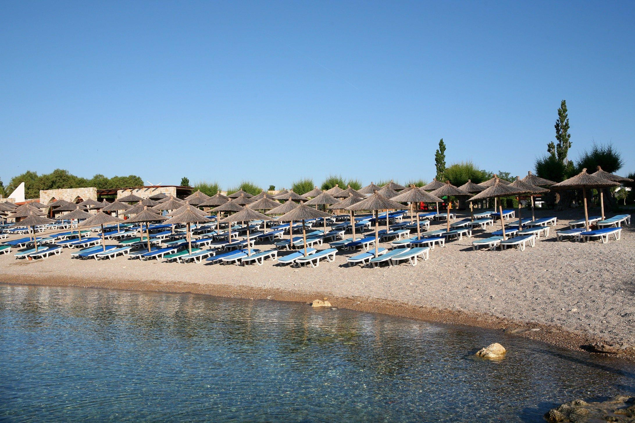 Eden Roc Resort Hotel & Bungalows 4* - pláž