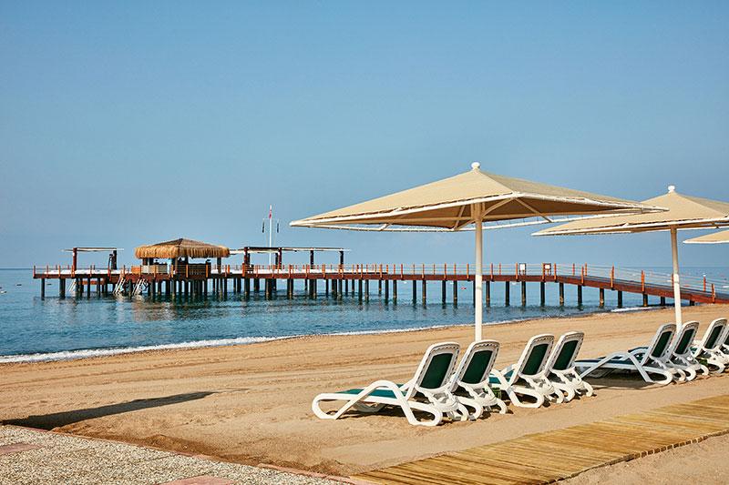 Gloria Golf Resort 5* - pláž