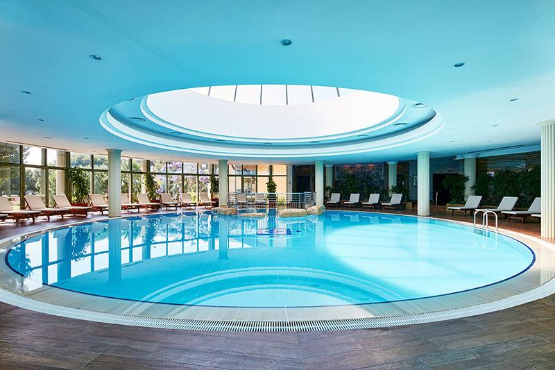 Gloria Golf Resort 5* - vnútorný bazén