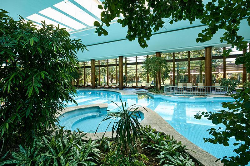 Gloria Serenity Resort 5* - vnútorný bazén