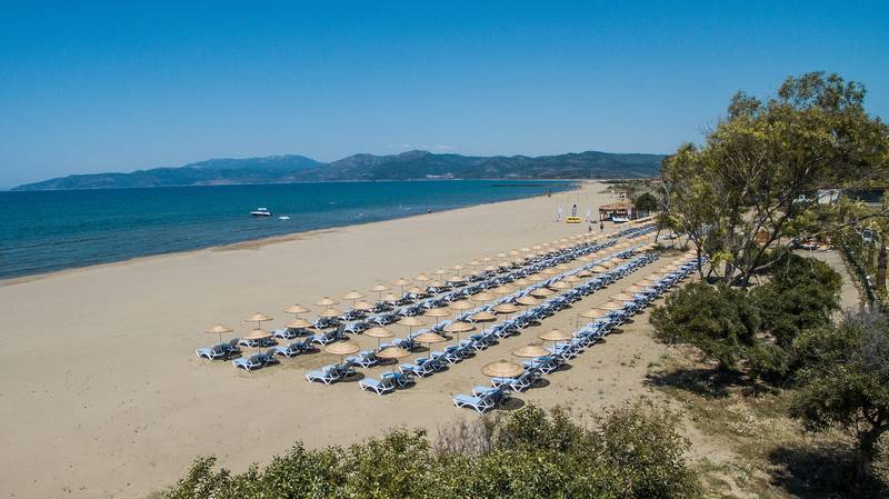 Korumar Ephesus Beach Resort & SPA 5˙ - pláž