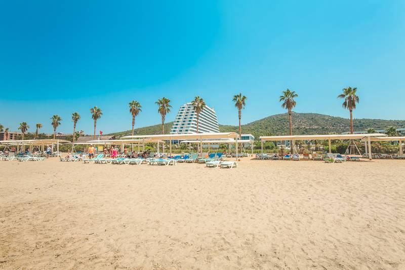 Palm Wings Ephesus Beach Resort 5˙ - pláž