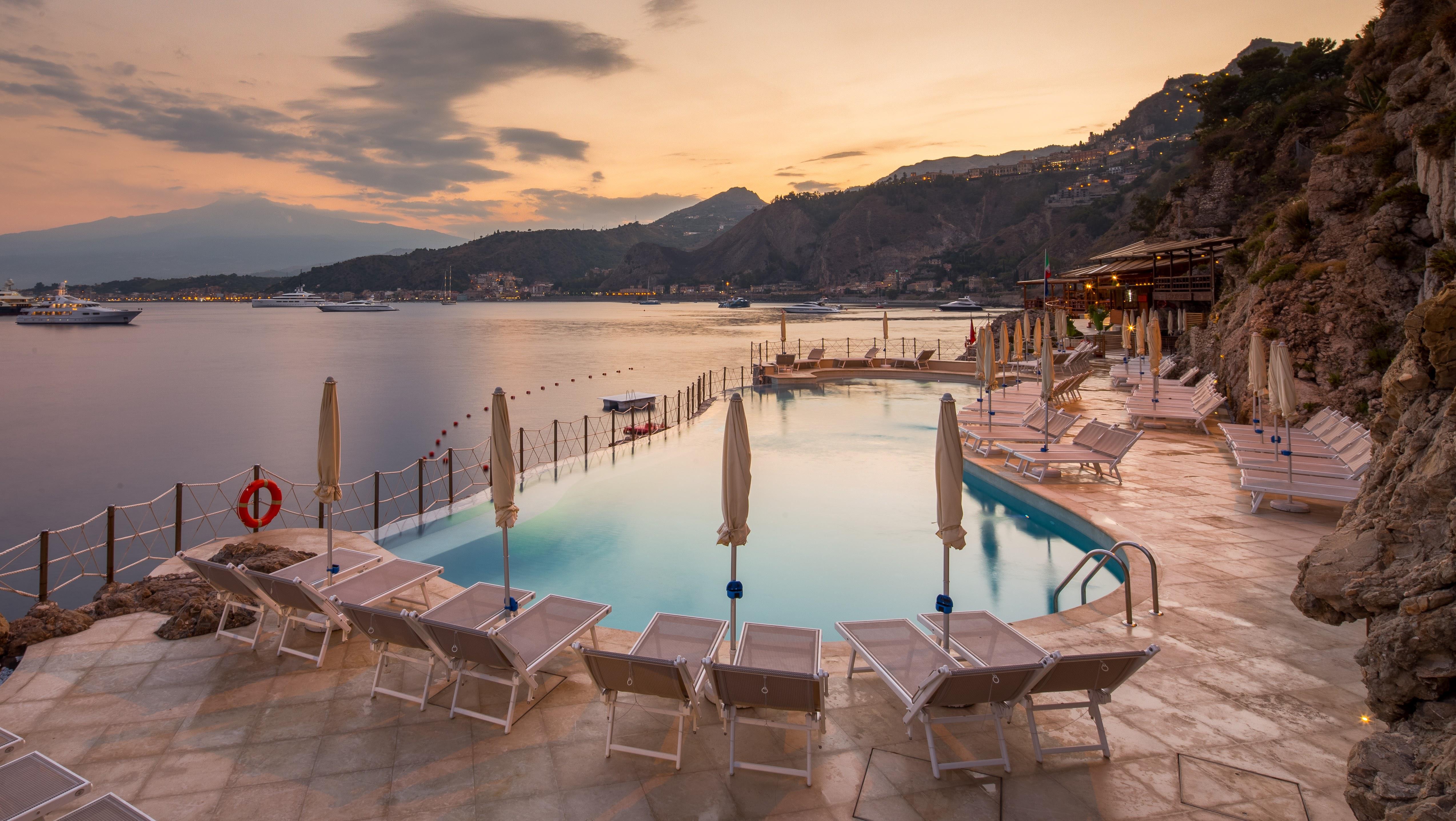 Unahotels Hotel Capotaormina 4* - Bazén