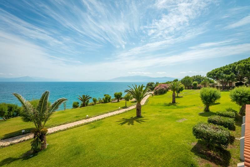 Pavlina Beach Hotel 4˙ - záhrada