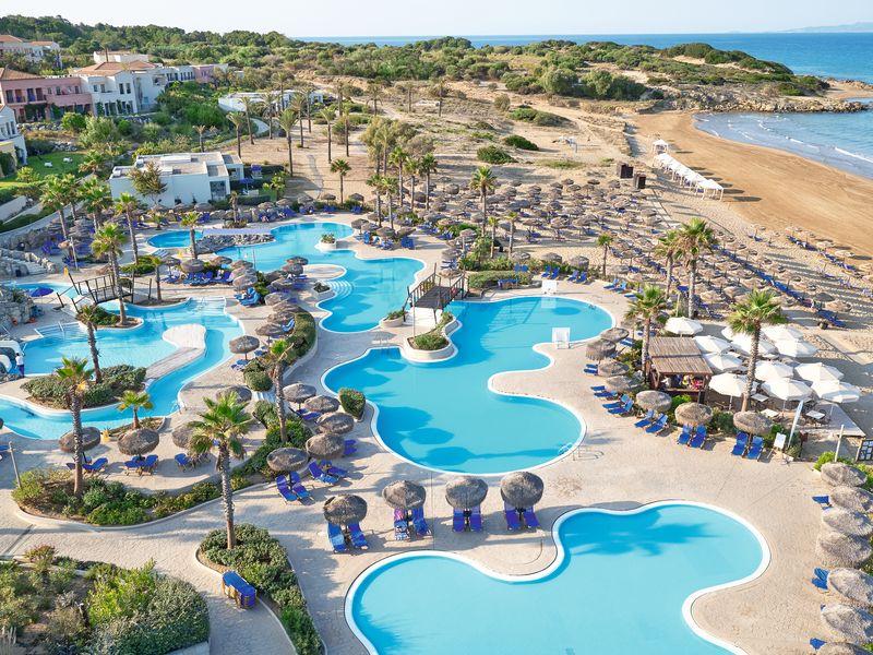 Olympia Oasis & Aqua Park 4*+ - bazény