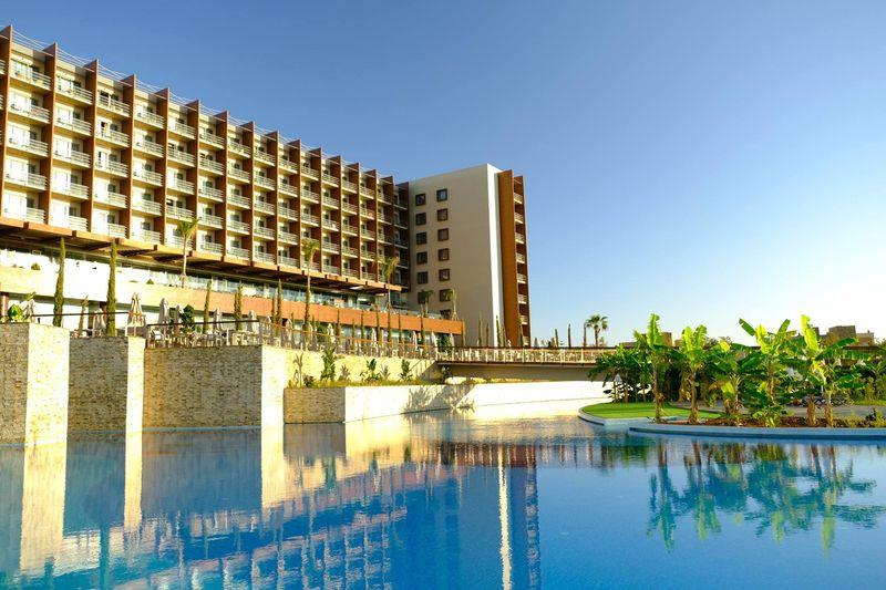 Concorde Luxury Resort & Casino 5* - bazén
