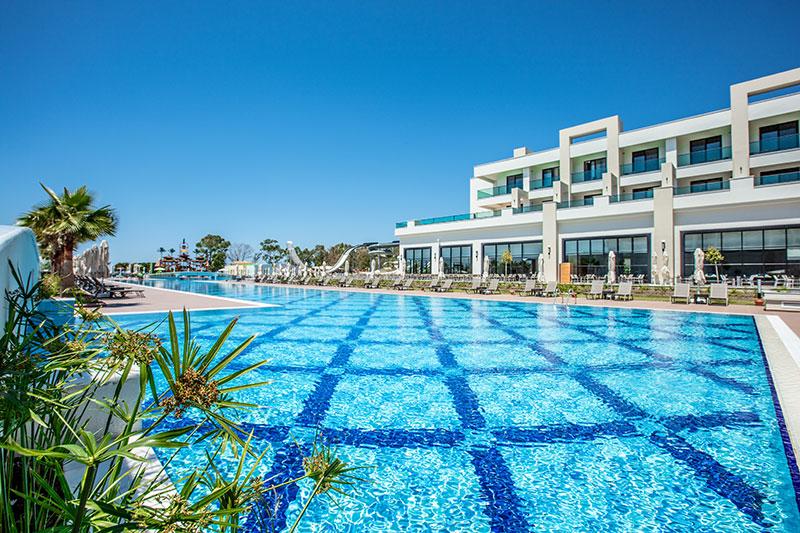 Korumar Ephesus Beach Resort & SPA 5* - bazén