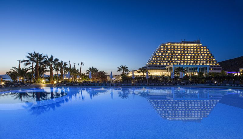 Palm Wings Ephesus Beach Resort 5˙ - bazén