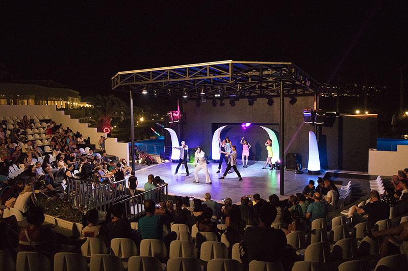 Palm Wings Ephesus Beach Resort 5* - večerné show