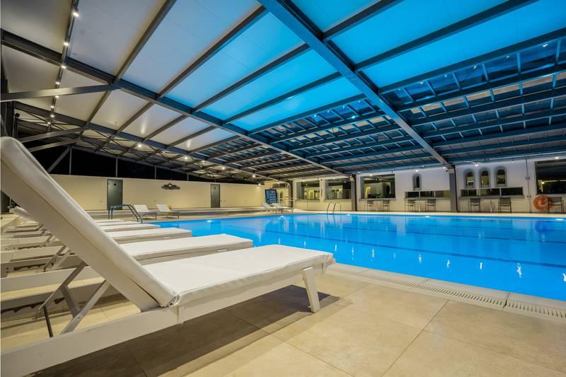 Apollo Beach Hotel 5* - vnútorný bazén