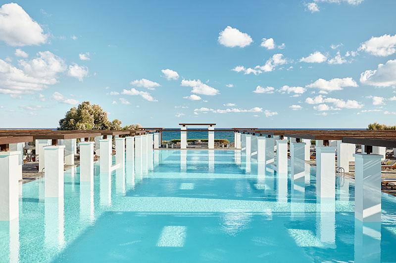 Amirandes Exclusive Resort 5* - olympijský bazén
