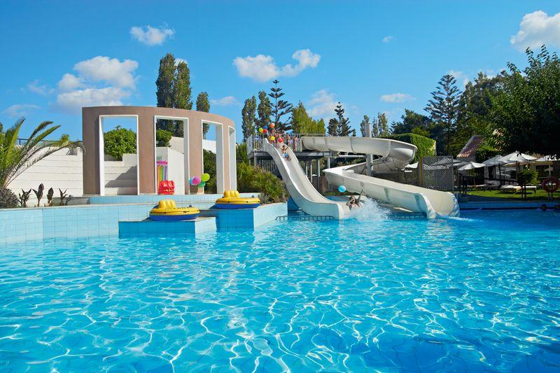 Creta Palace 5* - bazén so šmýkačkami