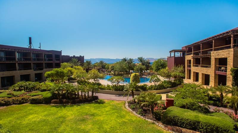 Mövenpick Resort & SPA Tala Bay 5* - areál