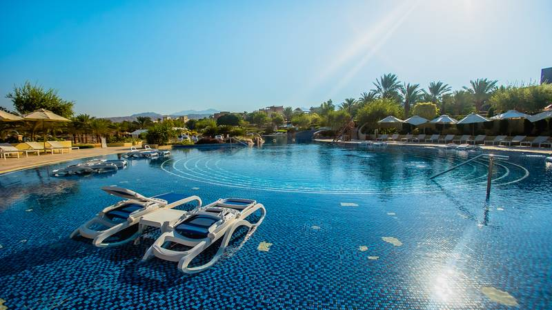 Mövenpick Resort & SPA Tala Bay 5* - bazén