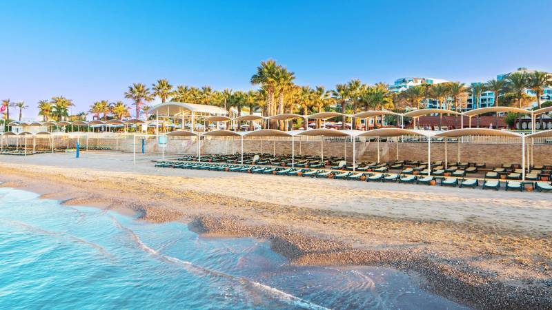 Cornelia De Luxe Resort 5* - pláž