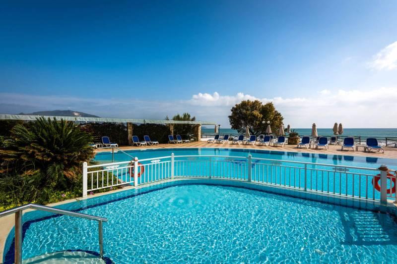 Mediterranean Hotel 5* - bazén