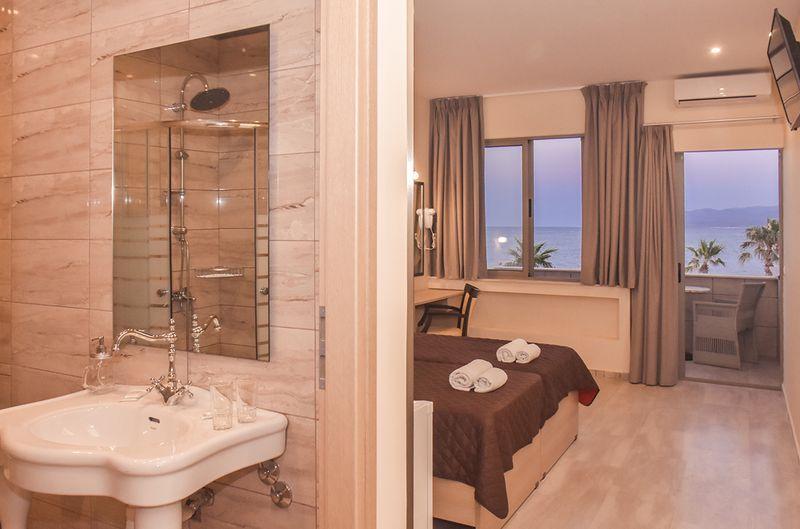 Eri Beach & Village Hotel 4* - izba