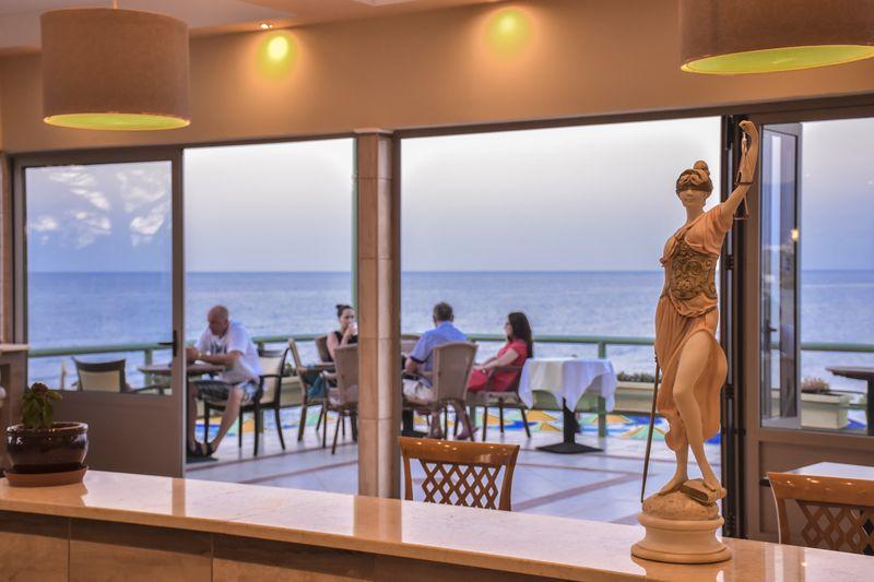 Eri Beach & Village Hotel 4* - reštaurácia