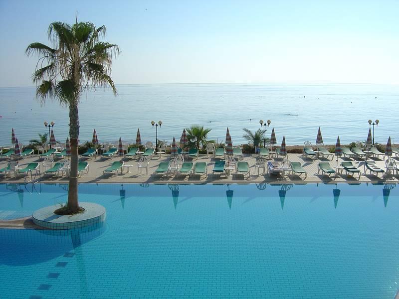 Sunrise Beach Hotel 5* - bazén