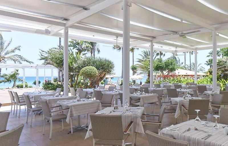 Sunrise Beach Hotel 5* - reštaurácia