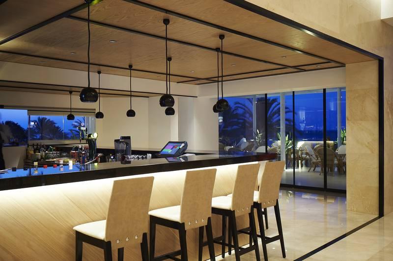 Sunrise Beach Hotel 5* - bar