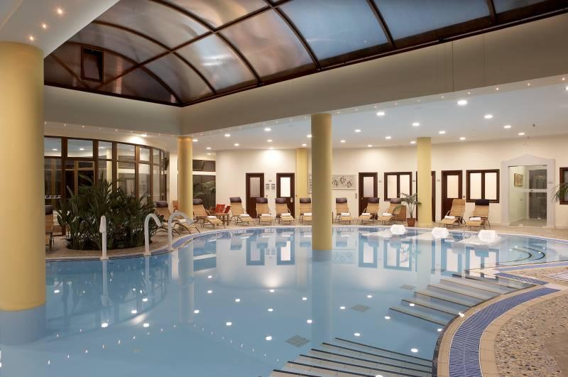 Atrium Palace Thalasso SPA Resort & Villas 5* - vnútorný bazén