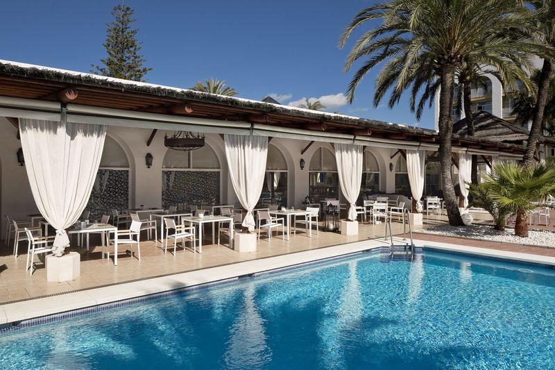 Melia Marbella Banús 4* - bazén
