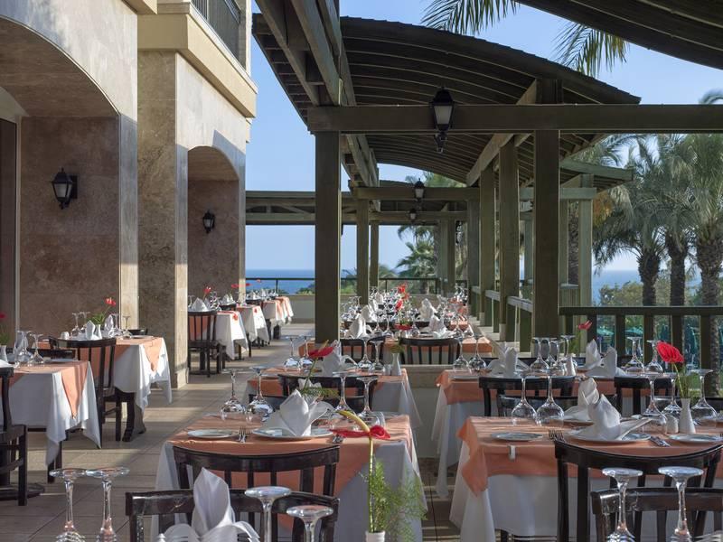 Alva Donna Beach Resort Comfort 5* - reštaurácia