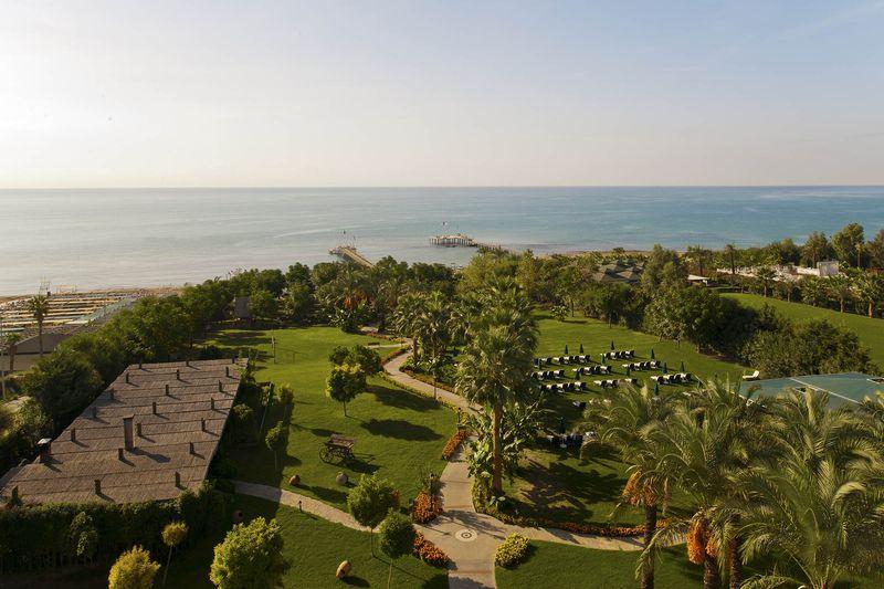 Alva Donna Beach Resort Comfort 5* - záhrady