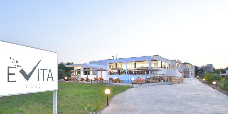Evita Mare 4* - reštaurácia